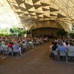 Vollbesetzter Musikpavillon trotz 32°C